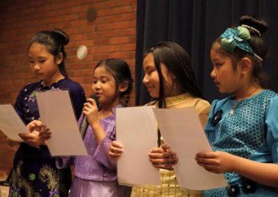 Vesak - opplesning av barn fra den burmesiske buddhistforening