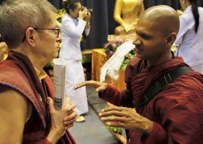 Vesak - samtale mellom amerikansk nonne og srilankisk munk