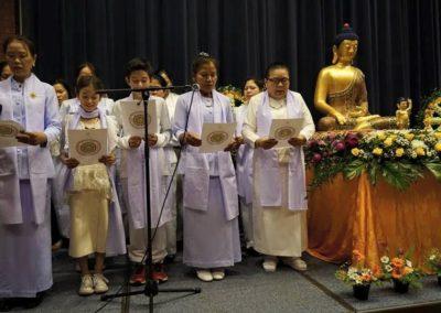 Vesak - sang av medlemmer fra Den thailandske buddhistforening
