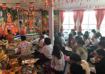 Khmer buddhistersenter i Lillesand - måltid for munkene etter seremonien