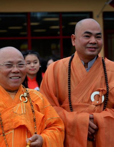 Øverste åndelig leder Thich Tri Minh (v) og abbed Thich Vien Ngo (h)