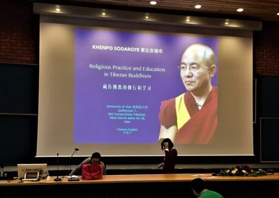 Khenpo Sodargye holder forelesning på Universitetet i Oslo